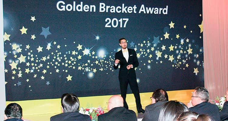 Boletín informativo: 3M premia a los alumnos de la UNAM Andrea Estefanía Guerra e Irving Quezada Lara en el concurso Golden Bracket Award 2017